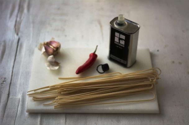 aglio-olio-ingredients
